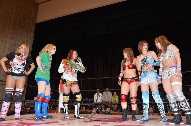 3人娘が6人タッグ王座に挑戦表明!