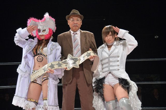 白いベルトをかけた名勝負が幕を開けるッ!!!